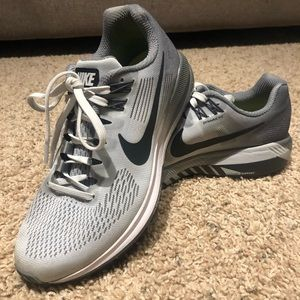 Nike Structure 21 dynamic fit running shoes!